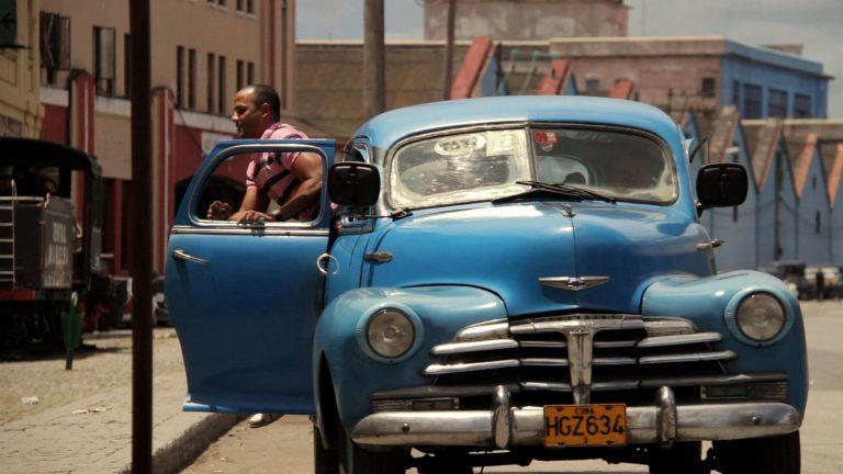 La-Habana-en-un-Almendron-Patricia-de-Luna-Fotograma-1
